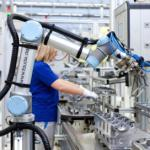 Employees work together with robots for the first time at VW